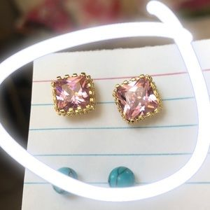 🌸 Pink and gold rhinestone square studs